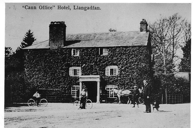 Cann Office Hotel Old Postcard with Richard Owen in the foreground ~1910