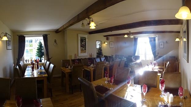 Dinning Room at Christmas